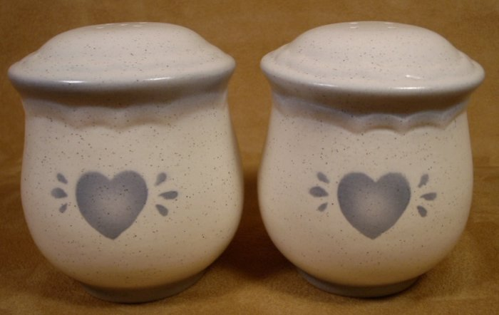 BLUE HEARTS LG. STONEWARE SALT & PEPPER SET