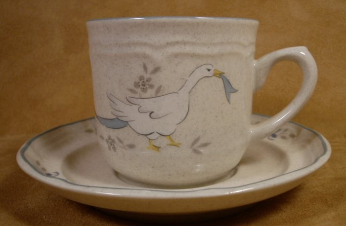 INTERNATIONAL CHINA MARMALADE GEESE CUP & SAUCER (S)