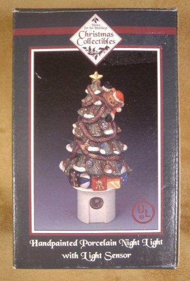 HANDPAINTED PORCELAIN CHRISTMAS TREE NIGHT LIGHT W/LIGHT SENSOR