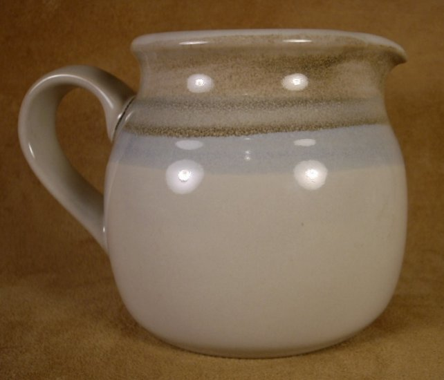 NORITAKE STONEWARE PAINTED DESERT CREAM PITCHER CREAMER