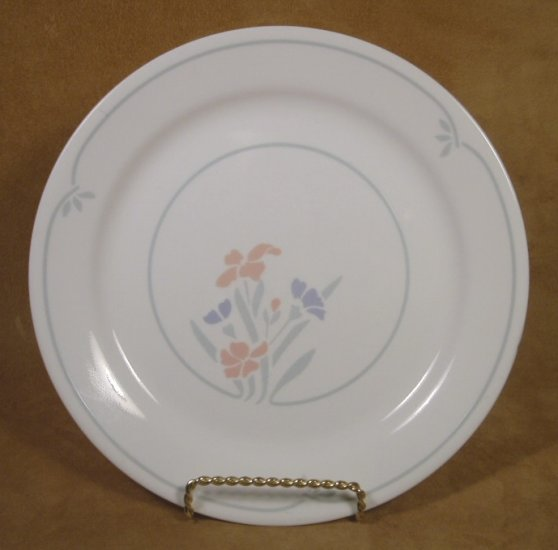 CORELLE STENCIL GARDEN  DINNER PLATES SET OF 4