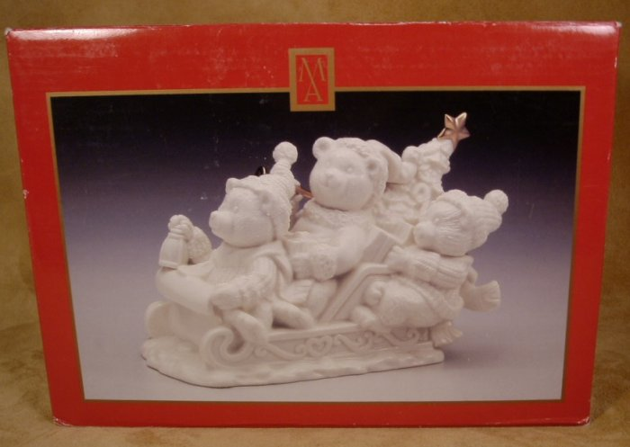 MADISON AVE. THREE BEARS IN A SLEIGH MUSICAL FIGURINE