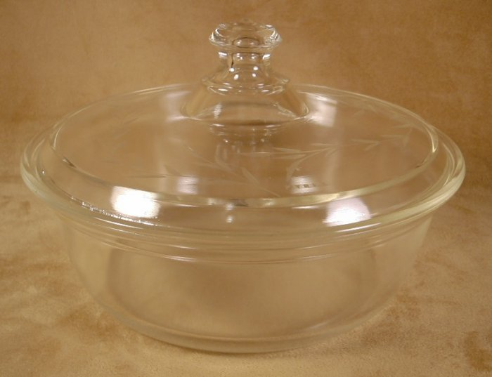 PYREX ETCHED CRYTAL ROUND BAKER W/LID OLD $ MARK