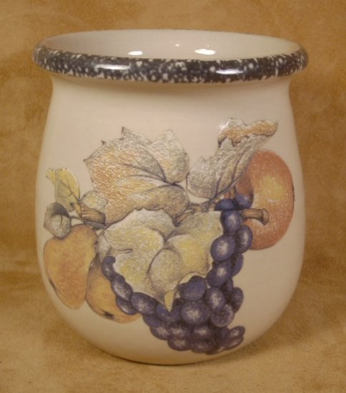 HOME & GARDEN PARTY ITALIAN FRUIT MED. SPOON JAR CROCK *SHIPS FREE*