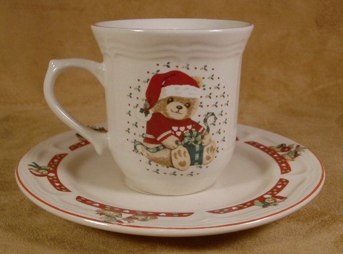 TIENSHAN CHRISTMAS COUNTRY BEAR CUPS & SAUCERS - 8 PCS.