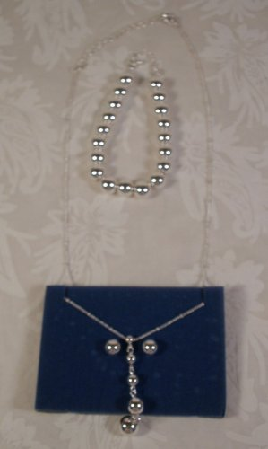 AVON SILVERTONE THREE PC BEADED GIFT SET 2008 *NEW* *SHIPS FREE*
