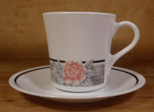 CORELLE CORNING WARE SILK & ROSES CUPS & SAUCERS 4 PCS.