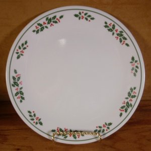 CORELLE WINTER HOLLY WHITE VEINS  DINNER PLATE *EUC*