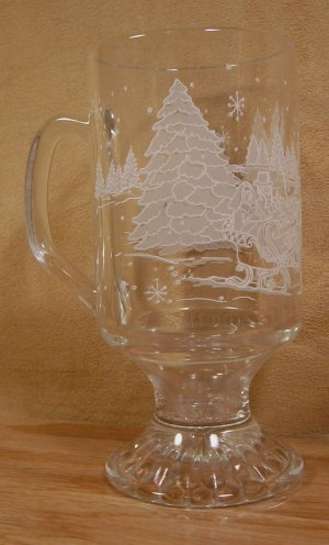 AVON 1992 PRES CLUB HOLIDAY GIFT EMBOSSED FOOTED MUGS