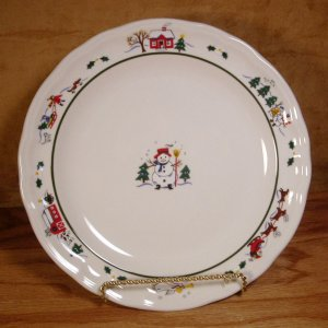 PFALTZGRAFF SNOW VILLAGE CHRISTMAS DINNER PLATES *EUC*