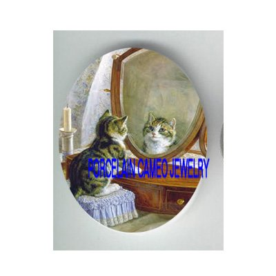 VICTORIAN KITTY CAT LOOK INTO A MIRROR CANDLE* UNSET CAMEO PORCELAIN CAB