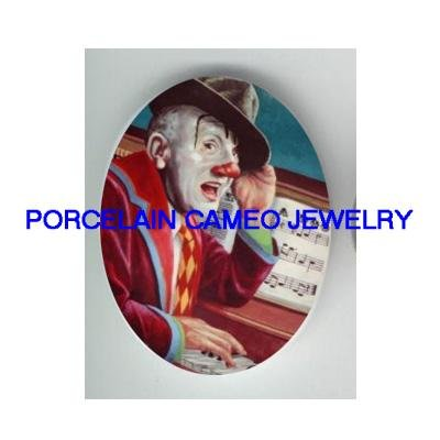 CIRCUS CLOWN PLAYING PIANO* UNSET CAMEO PORCELAIN CAB