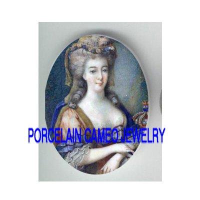 CROWN QUEEN MARIE ANTOINETTE UNSET CAMEO PORCELAIN CAB