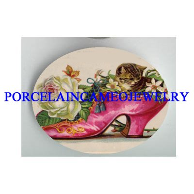 VICTORIAN KITTY CAT IN ROSE SHOE* UNSET PORCELAIN CAMEO CAB