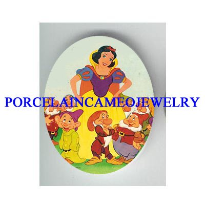 SNOW WHITE AND 7 DWARF  * UNSET PORCELAIN CAMEO CAB