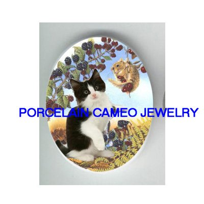 BLACK WHITE KITTY CAT PLAY SQUIRREL BERRY* UNSET PORCELAIN CAMEO CAB