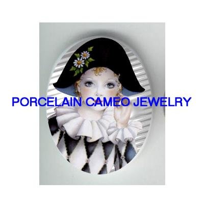 FRENCH  PIERROT WITH DIASY   * UNSET PORCELAIN CAMEO CAB