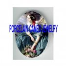 VICTORIAN LADY HOLDING ROSE PORCELAIN CAMEO CAB 18X25MM