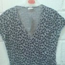 elle gray print t shirt size small to medium short sleeve new with original tags