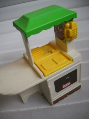 Little Tikes Vintage Doll House Size Furniture Country Kitchen Miniature (HC10)