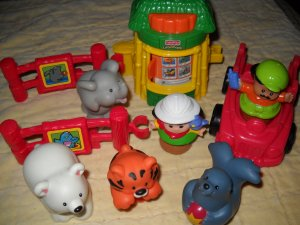 Fisher Price Mattel Little People Baby Zoo Animals 10 Piece Play Set 2001