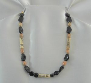 Wooden Beads,Black Glass, and Marbled Gemstone Necklace Gold Tone LKJ