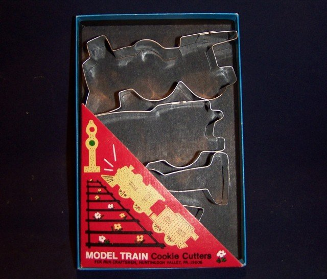 Metal Boxed COOKIE or PASTRY Biscuit CUTTER SET of 4 - Model Train - Fox Run Craftsmen USA