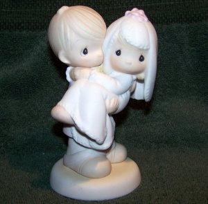 "1982 PRECIOUS MOMENTS FIGURINE E-9255 ""BLESS YOU TWO"""