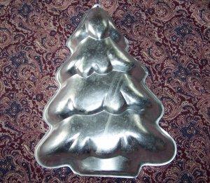 1986 Wilton HOLIDAY TREE Christmas Cake Pan #2105-9410