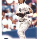 DEREK JETER 2000 FLEER FOCUS #11 NEW YORK YANKEES