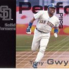 TONY GWYNN 2001 FLEER PREMIUM SOLID PERFORMERS #10 SAN DIEGO PADRES www.AllstarZsports.com