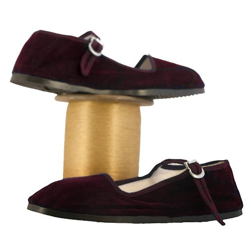 Elegant These Shoes Are Made Of Great Quality Embossed Leather Which Looks