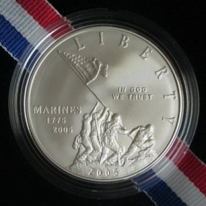 2005 MARINE CORPS COMMEMORATIVE UNCIRCULATED SILVER DOLLAR