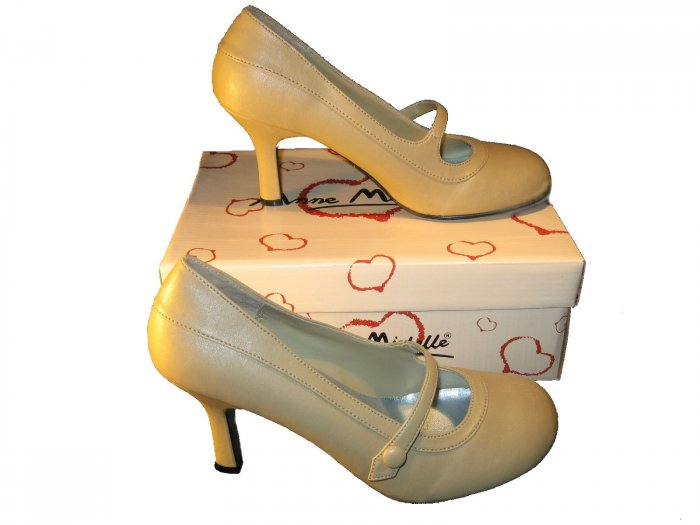 Mary Jane natural round toe pumps 3.5 inch high heels shoes size 6