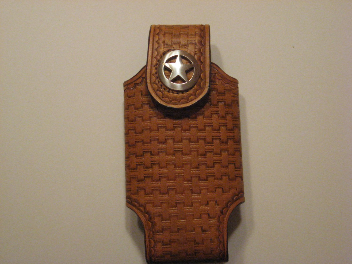 Cell Phone Holder, Large, Handtooled Leather Case, Tan Basketweave, Texas Star Concho P0007