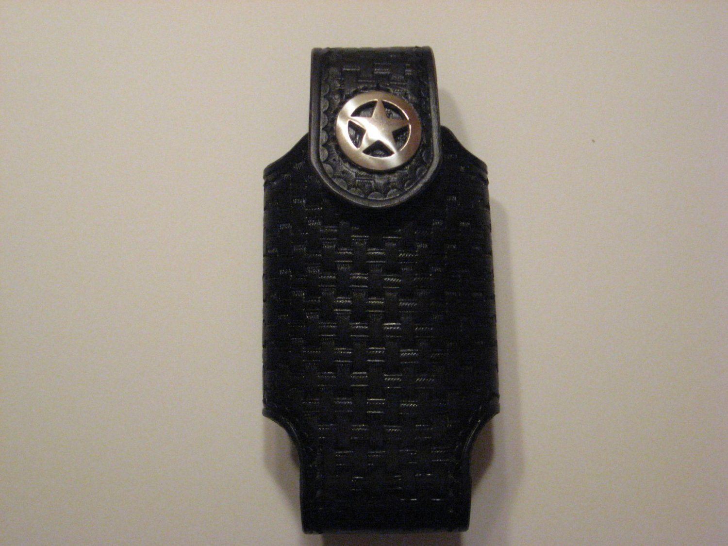 Cell Phone Holder, Large, Handtooled Leather Case, Black Basketweave, Texas Star Concho P0008