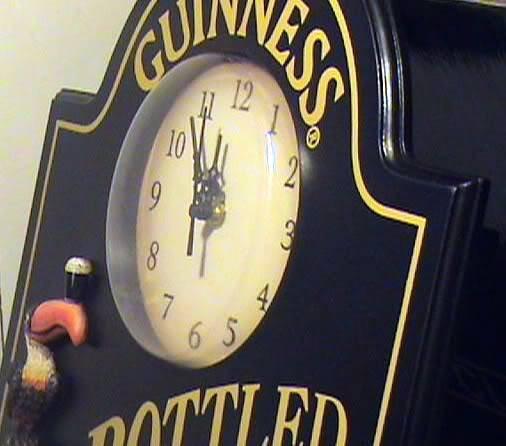 Arthur Guinness Extra Stout Irish Beer Pub 3D Bottle Toucan Wall Pub Clock Sign