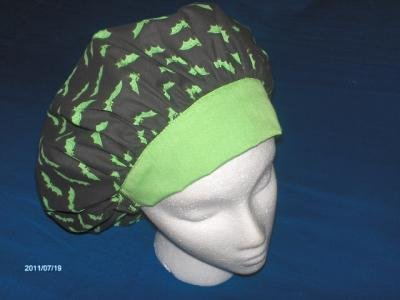 Halloween Scrub Caps Medical Surgical Hats Ladies Bouffants GREEN BATS ON BLACK