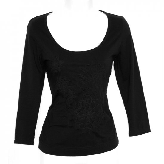 Womyn Black 3/4 Sleeve Stretchy Tee with 3D Applique Embroidery Size Medium (M)