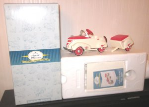 Hallmark Kiddie Car Classics 1940 Custom Roadster with Trailer QHG7106
