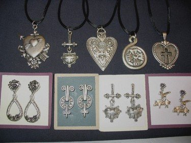 Beautiful Assorted Jewelry Mix / As Low As $.59 pc!