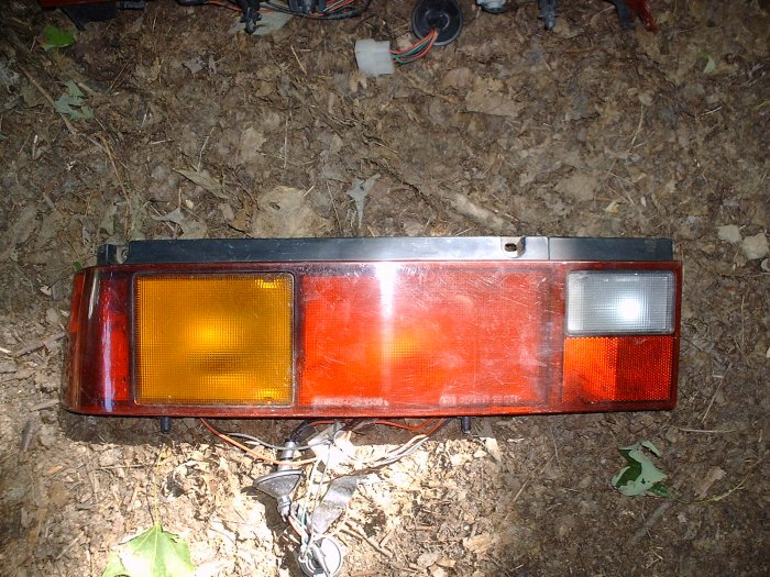 89-91 Geo Metro OEM drivers Tail light Assembly used