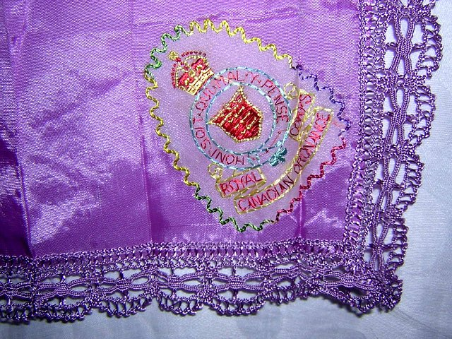 Taffeta sweetheart hanky Royal Corps Canadian Ordonance ll1672
