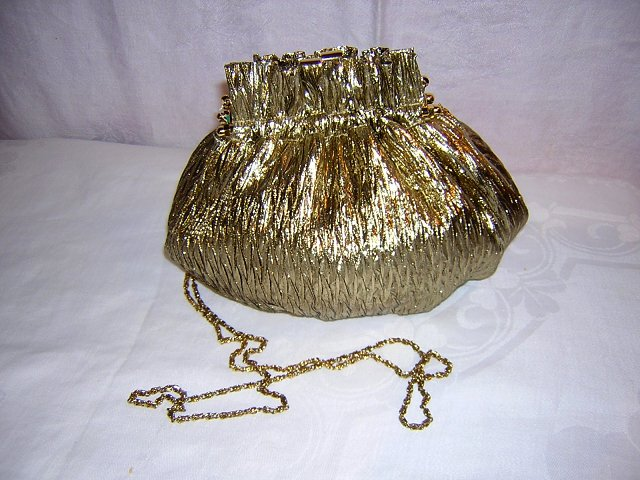 Goldco gold lamé evening bag with shoulder chain unused ll1547