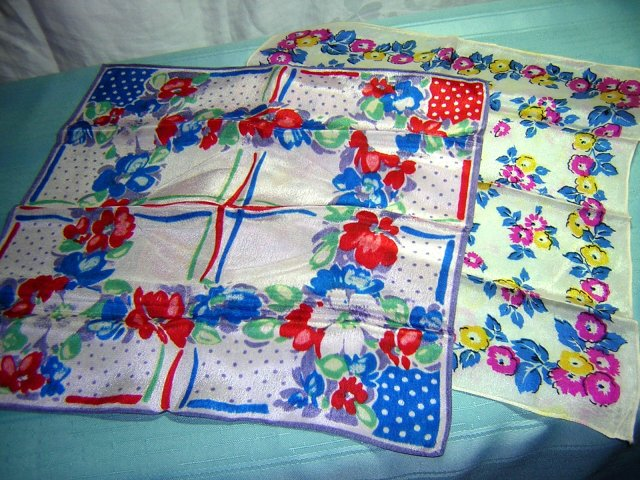 2 silk hankies pocket puffs bright floral print vintage ll1705