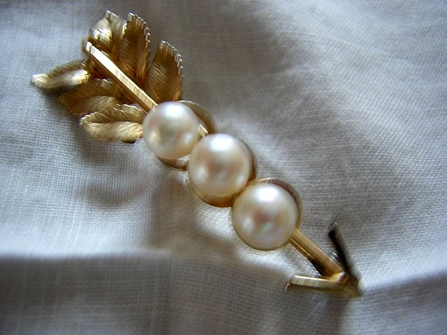 Gold filled with pearls pin brooch signed CRco antique ll1975