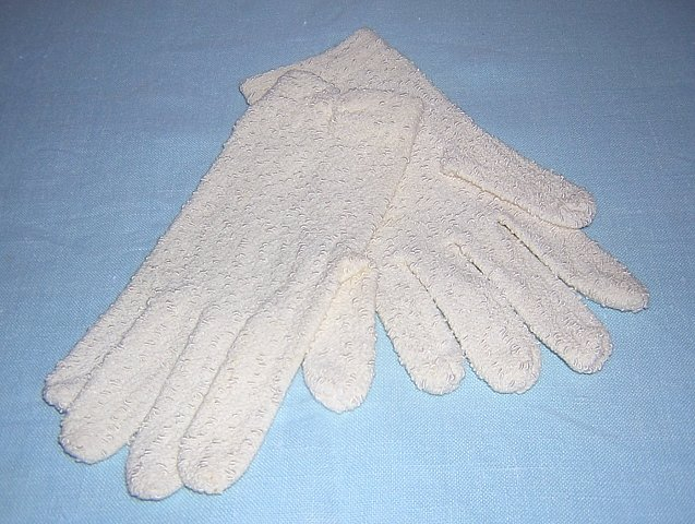 Pair 1950s bouclée knit stretch gloves unused vintage ll1484