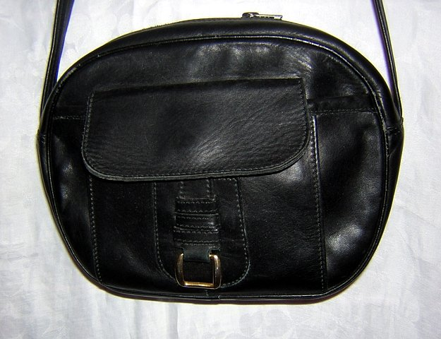 RO-EL black leather shoulder bag purse vintage made Canada ll1575