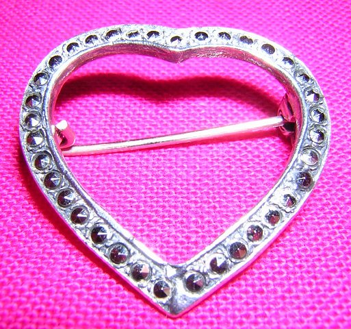 Sterling silver and Marcasite heart brooch pin 925 Mexico vintage jewelry ll2068