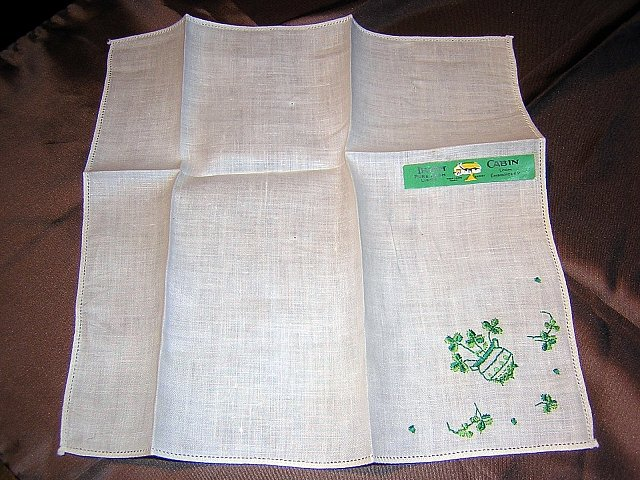 Irish Cabin linen hanky embroidered shamrocks unused with sticker ll1633